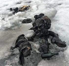 지난 13일(현지 시각) 스위스 남부 알프스 지역의 빙하 속에서 75년 전 실종됐던 스위스 부부의 시신이 완벽하게 보존된 상태로 발견됐다.