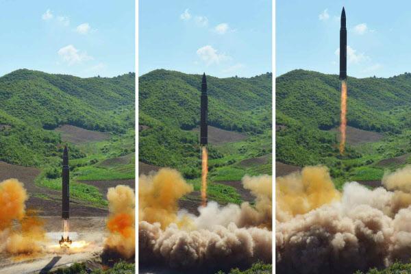 "WP ""美국방부, 北 이르면 내년 ICBM으로 美본토 타격 가능 판단"""