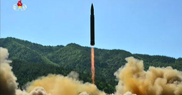 """美국방부 """"北, '전승절 64주년'인 27일에 ICBM 또 발사할 듯"""""""