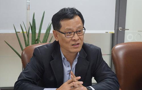 7월 21일 인천 송도에서 만난 김만훈 셀트리온헬스케어 대표가 코스닥 상장 이후의 사업추진 전략에 대해 소개하고 있다. / 셀트리온헬스케어 제공