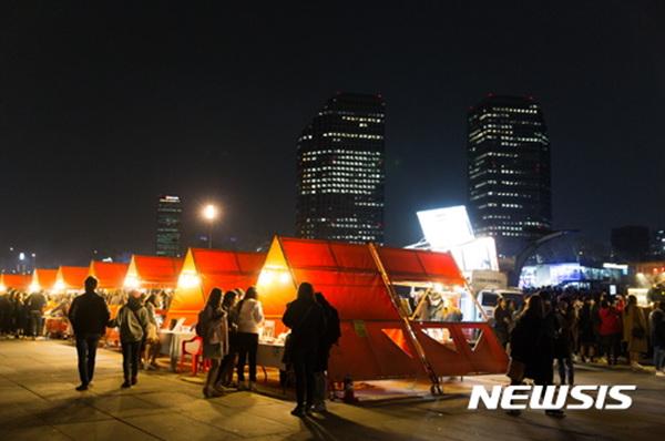 """""""열대야를 즐기자!""""…서울밤도깨비야시장 이색행사 만발"""