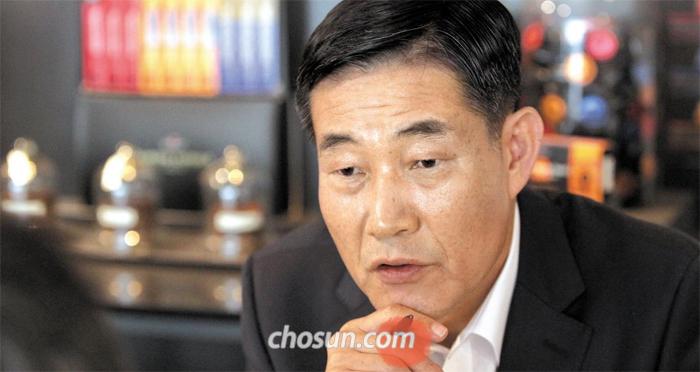 """신원식 전 합참 작전본부장은 """"1994년 영변 원자로 시설을 폭격했으면 북한은 결코 보복할 수 없었을 것""""이라고 말했다."""
