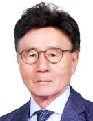 류근일 언론인