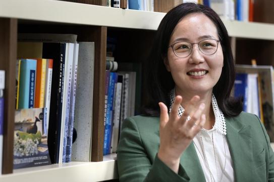 """김현아 의원은 """"청년들에게 무이자로 보증금을 빌려주는 방안이 있다""""고 말했다. / 이덕한 기자"""