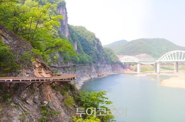 남한강 잔도 수양개역사문화길