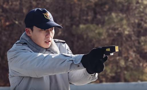 영화 '청년경찰'에 주연으로 출연한 박서준. /유튜브 캡처