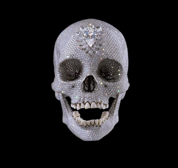 데미안 허스트의 '사랑을 위하여'는 실제 해골에 8601개의 다이어몬드를 박았다. 사용된 다이아몬드만  1106.18캐럿, 우리 돈으로 200억원의 제작비가 들었다./사진=데미안허스트 홈페이지