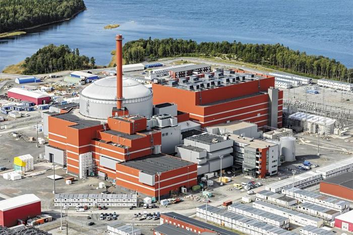 핀란드 서해안에서 건설 중인 원자력발전소 올킬루오토 3호기의 모습. 내년 초 완공 예정인 올킬루오토 3호기는 핀란드 전력 수요량의 10%를 책임질 전망이다. 현재 핀란드는 연간 전력 생산량의 34%를 원전 4곳에서 얻고 있다.