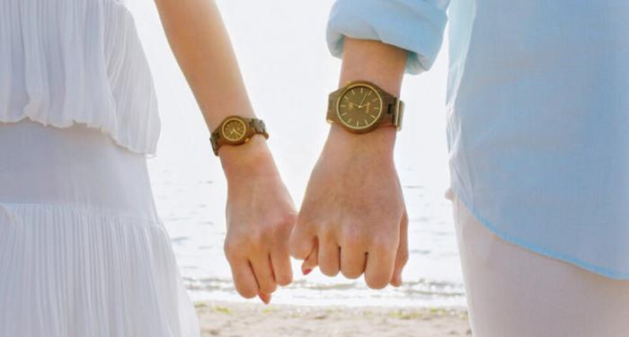 단풍나무·호두나무 등으로 만든 '나무 손목시계'는 나무 고유의 색과 결, 향을 그대로 지니고 있다.