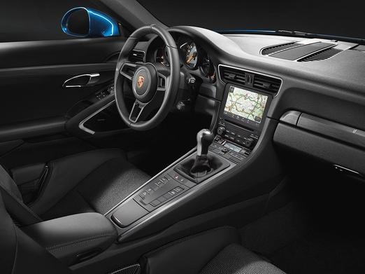 포르셰 신형 911 GT3 투어링 패키지의 실내공간/포르셰 제공