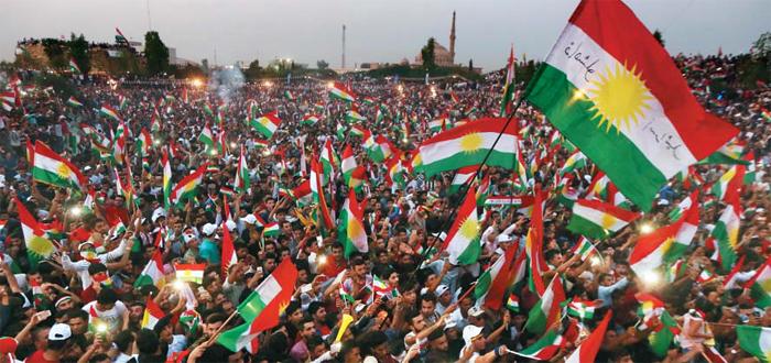 16일 이라크 북부 쿠르드자치정부(KRG)의 수도 격인 아르빌에서 쿠르드족 분리 독립 투표를 지지하는 시위가 벌어지고 있다. 시위 참가자들은 쿠르드족 깃발을 흔들며 오는 25일 예정된 투표 참여를 독려했다.