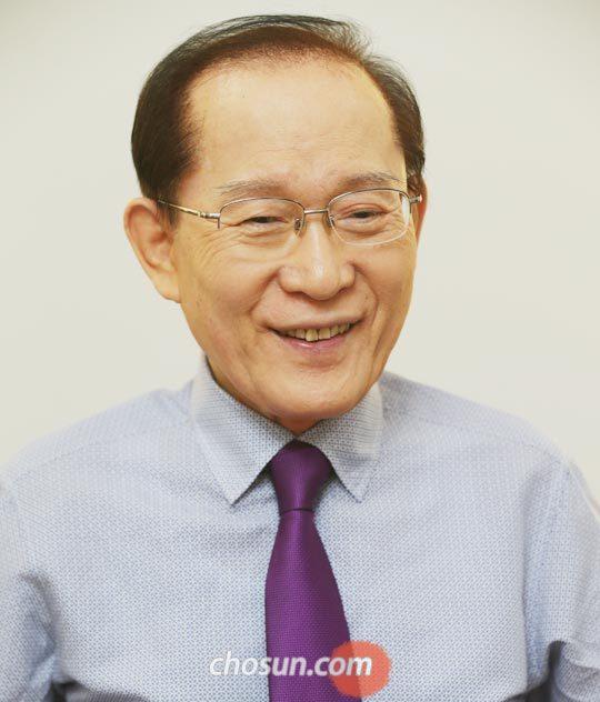 """이회창 전 총재는""""나도'제왕적'이라고 비판받았지만 사전에 여러 사람 의견을 들었다""""고 말했다."""