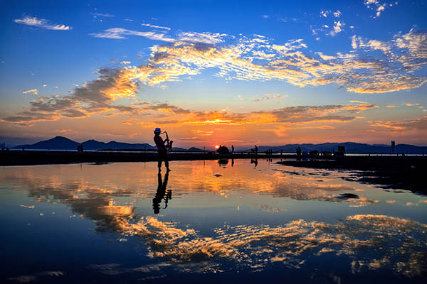 몰운대 해안산책로에는 아름다운 낙조를 볼 수 있기로 유명하다