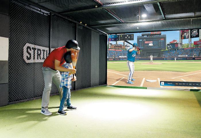 골프존의 스크린 야구 '스트라이크 존'