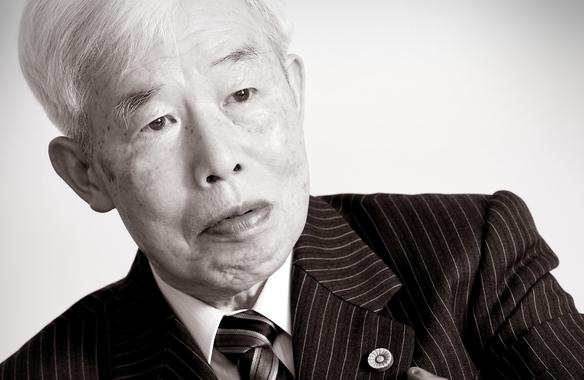 현재 오사카에 있는 에토스 법률사무소에서 일하고 있는 니시나카 쓰토무 변호사. '운을 읽는 변호사' 저자. 그는 한국 독자와 인터뷰로 만나게 되어 무척 기쁘다고 했다./사진=Hiraoka Studio