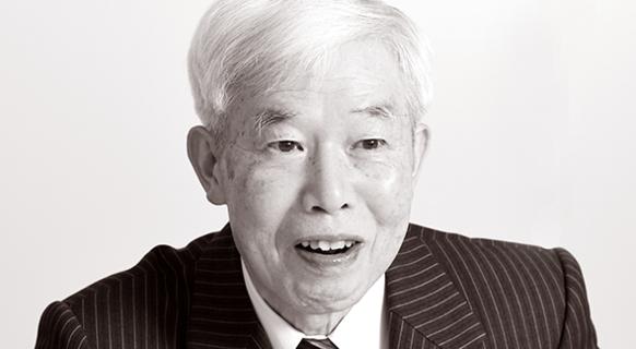 운을 하늘의 사랑과 귀여움을 받는 것이라고 표현한 니시나카 쓰토무 변호사는 자신을 세상에서 가장 운좋은 사람이라고 했다./Hiraoka Studio