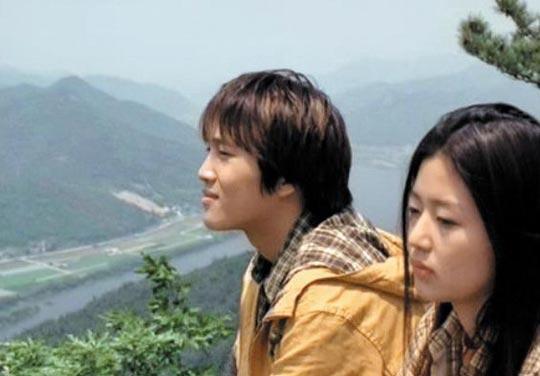 경남 양산의 오봉산 임경대에서 촬영한 영화'엽기적인 그녀'의 한 장면.