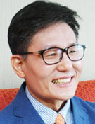 윤평중 한신대 교수·정치철학