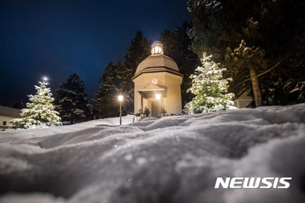 오스트리아 잘츠부르크주 오베른도르프 '고요한 밤 성당'.