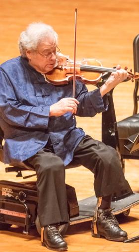 12일 예술의전당에서 연주하는 이츠하크 펄먼.
