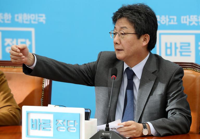 """유승민 """"아무 희망 없는 한국당과는 통합 안 해"""""""