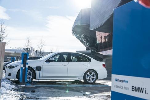 BMW 330e./BMW코리아 제공