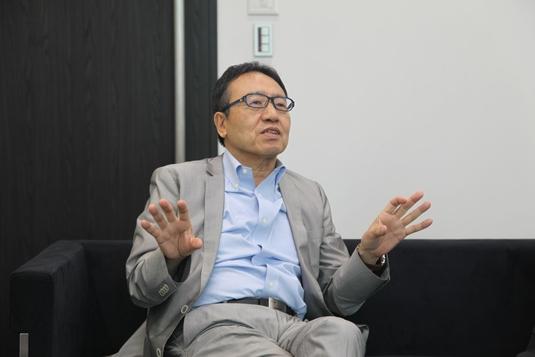 미야우치 켄 소프트뱅크 부사장이 조선비즈와 인터뷰하고 있다. / 도쿄=이다비 기자