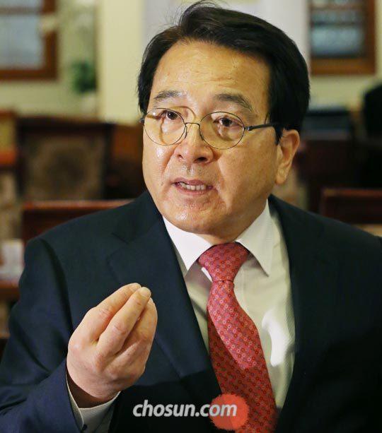 """심재철 국회부의장은""""1980년 봄 당시'서울역 회군(回軍)'결정은 현명했다""""라고 말했다."""