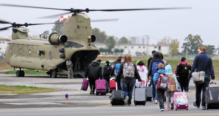 한국 탈출 훈련하는 미군 가족들