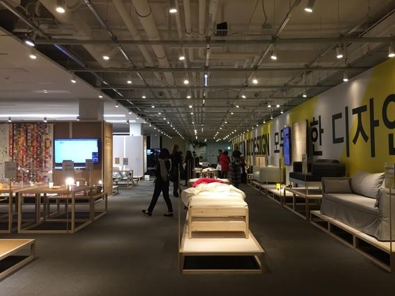 이케아는 7일 서울 동대문 디지털프라자(DDP) 살림터에서 열린 '스웨덴 코리아 영 디자인 위크' 기자 간담회에서 내년 출시를 앞둔 신제품 12종을 공개했다. / 박수현 기자