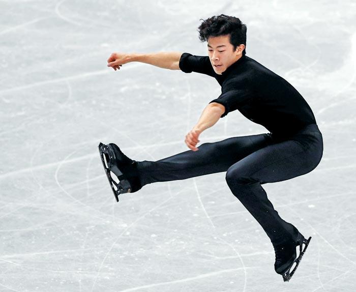 미국의 네이선 첸이 7일 ISU(국제빙상경기연맹) 피겨 그랑프리 파이널(일본 나고야) 남자 싱글 쇼트프로그램에서 연기를 펼치는 모습.