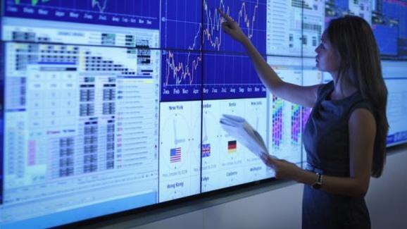 빅데이터와 인공지능 활용 방안에 대해 기업 뿐만 아니라 중앙은행과 경제학계도 큰 관심을 기울이고 있다. 학술 연구 뿐만 아니라 실제 경제 분석 및 예측에도 쓰이는 경우가 늘어나고 있다. /SAP 제공