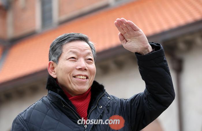 """정주채 목사는 """"종교개혁 500주년을 맞아 한국 교회가 구체적으로 '작은 개혁'이라도 일어났으면 하는 바람으로 책을 냈다""""고 말했다."""