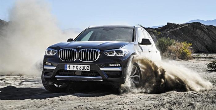 탁월한 주행 성능을 자랑하는 BMW 뉴 X3가 거친 모랫길을 누비고 있다.