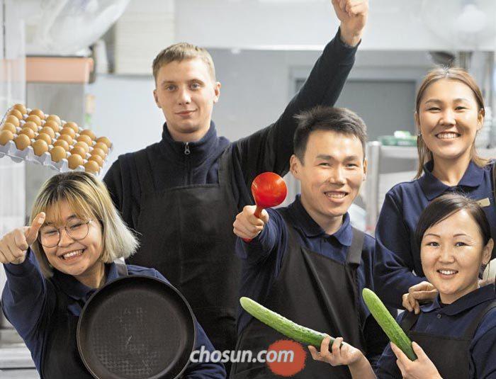 횡계의 한 식당은 종업원을 모두 러시아인으로 고용해 외국인 입맛과 통역 문제를 일거에 해결했다.