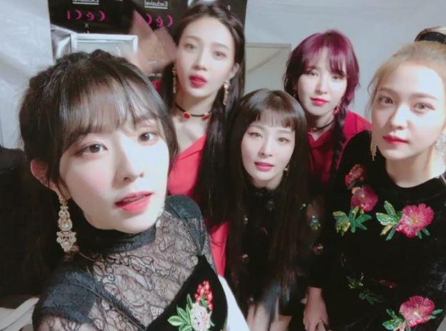 """[★SHOT!] 레드벨벳 """"루키→빨간맛→피카부, 엄청 달려왔다…팬들 덕분"""""""