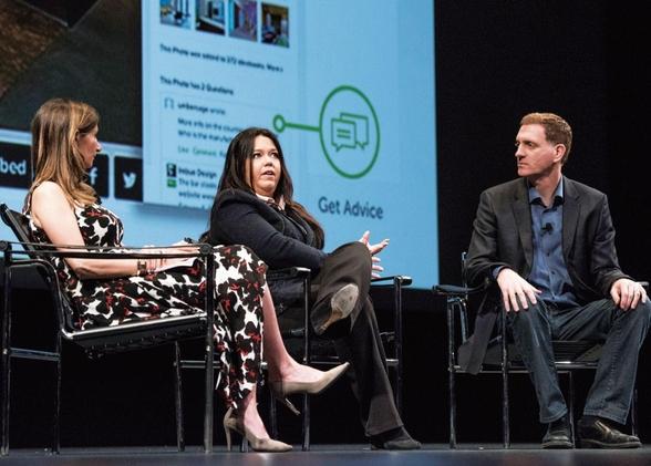 하우즈의 공동 창업자인 아디 타타코(가운데)와 알론 코언(오른쪽) 부부가 2015년 미국 샌프란시스코에서 열린 디자인 콘퍼런스에서 질문에 답하고 있다./블룸버그 제공