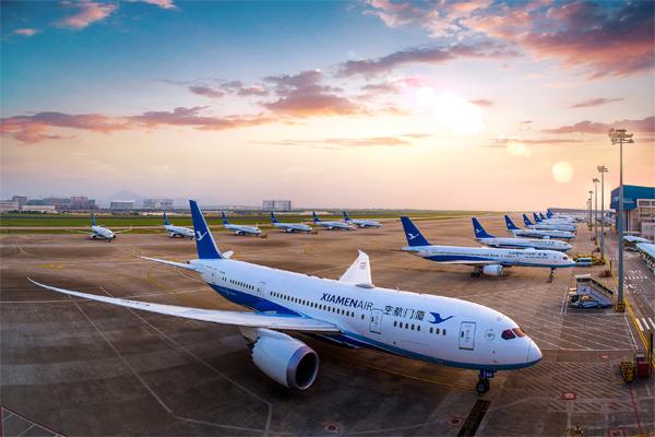 인천에서 샤먼까지 매일 직항 노선을 운행 중인 샤먼 항공의 항공기 모습