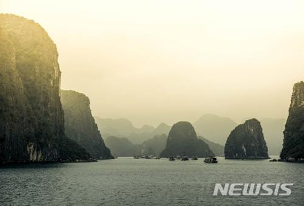 베트남 할롱 베이.