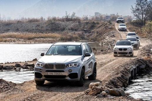 BMW는 올해 3종의 SUV 신차를 앞세워 선두 탈환에 재도전할 예정이다./BMW 제공