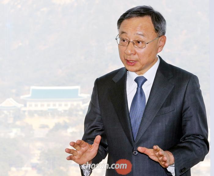 """황창규 회장은 """"자율주행차를 개발하면 평창과 강릉에 와서 테스트해야 할 것""""이라고 말했다."""
