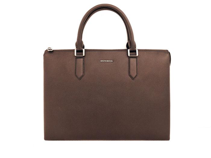 브루노말리의 '노부' 서류 가방.