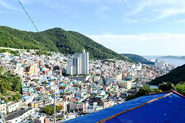 한국의 마추픽추라 불리는 감천문화마을의 모습.