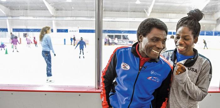 지난달 미국 유타주 솔트레이크시티 '유타 올림픽 오벌'에서 환하게 웃고 있는 아버지 크웨쿠 바이니와 딸 마메. 가나에서 미국으로 건너온 아버지는 13년 동안 '스케이트 파더'로 딸을 뒷바라지했다.