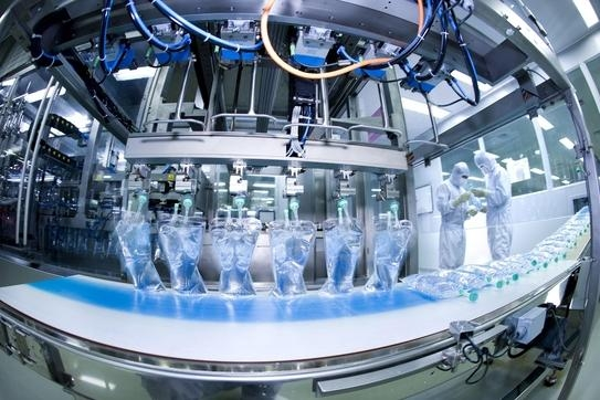 JW생명과학 충남 당진 공장에서 수액제가 생산되고 있는 모습. / JW생명과학 제공