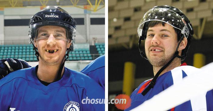 검투사처럼 몸싸움을 벌이는 아이스하키 선수들에게 앞니 '실종'은 오히려 훈장처럼 보인다. 캐나다 출신 귀화 선수 브라이언 영(왼쪽)과 마이클 스위프트(오른쪽)의 웃는 모습.
