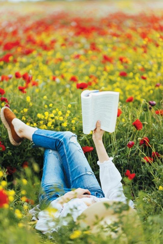 봄에 읽는 문학이 겨우내 얼어붙은 감수성을 녹여줄 것이다.