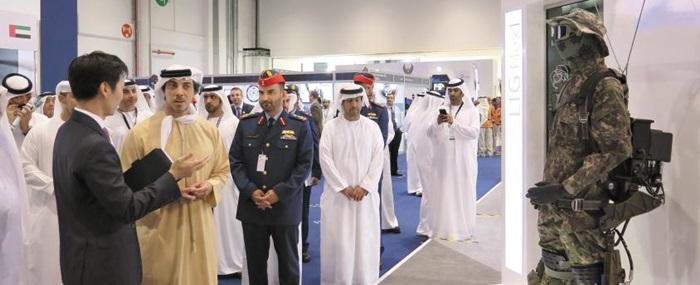 UAE 아부다비에서 열린 국제 무인로봇 전시회 참가 장면.