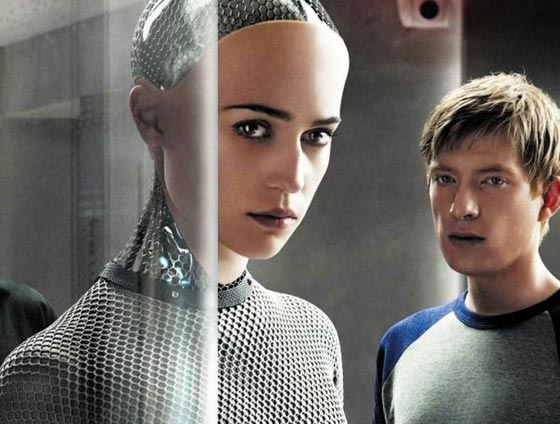 사람과 유사한 인공지능 로봇이 등장하면서 일어나는 혼란을 다룬 영화'엑스 마키나'의 한 장면.