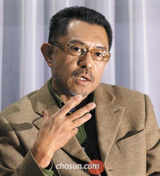 """이시마루씨는""""특사 회담은 경제 봉쇄로 공화국을 압살하려는 적들의 비열한 책동을 무찌르는 김정은의 위대한 업적으로 선전됐다""""고 말했다."""